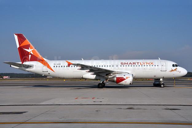 SmartLynx Airlines (Latvia) Airbus A320-211 YL-LCD (msn 359) MXP (Richard Vandervord). Image: 903723.