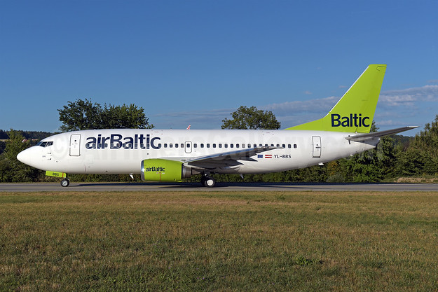 airBaltic Boeing 737-31S YL-BBS (msn 29267)  ZRH (Rolf Wallner). Image: 943127.