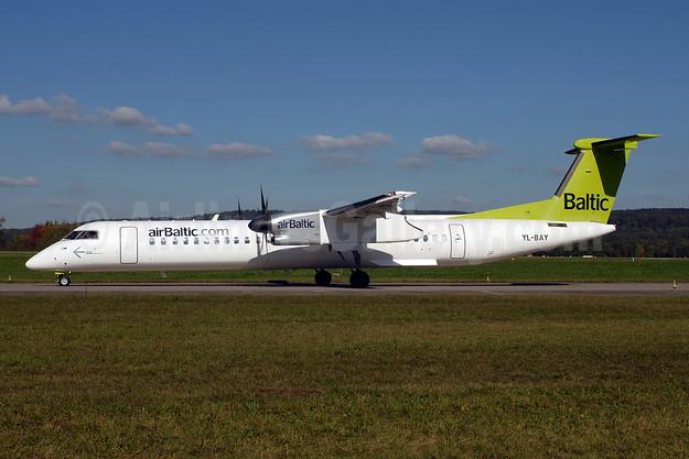 airBaltic (airBaltic.com) Bombardier DHC-8-402 (Q400) YL-BAY (msn 4331) ZRH (Rolf Wallner). Image: 907348.
