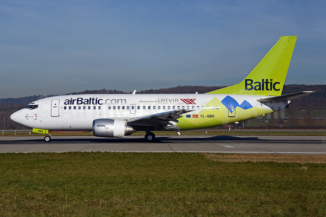 airBaltic (airBaltic.com) Boeing 737-522 YL-BBN (msn 26683) (Official Carrier of Latvia Team 2014 - Sochi) ZRH (Rolf Wallner). Image: 921622.