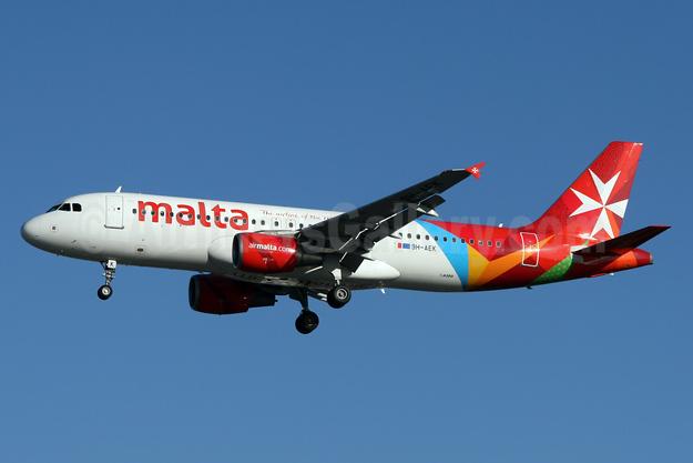 Malta - airmalta.com (Air Malta 2nd) Airbus A320-214 9H-AEK (msn 2291) LHR (SPA). Image: 924624.