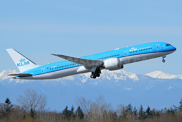 KLM's 4th new Boeing 787-9 Dreamliner