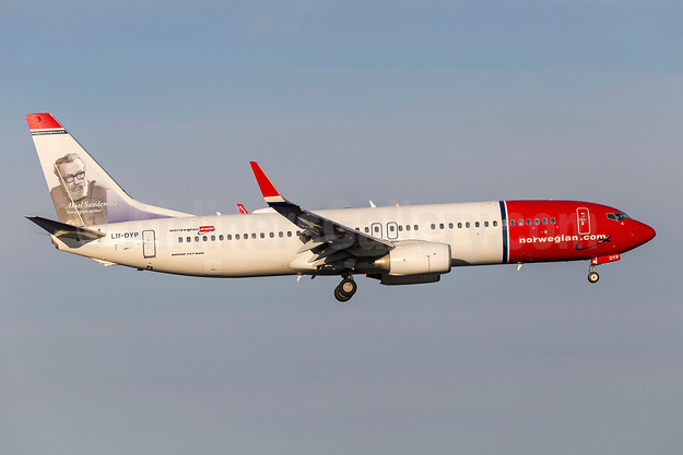 Norwegian sells two Airbus A320neo aircraft, launches an