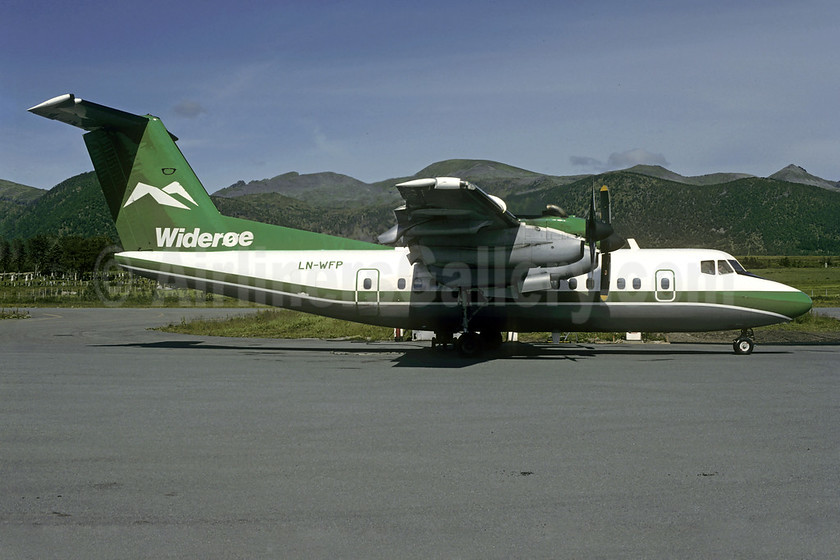 Wideroe (Widerøe's Flyveselskap AS) de Havilland Canada DHC-7-102 Dash 7 LN-WFP (msn 049) (Christian Volpati Collection). Image: 908651.