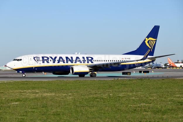 Ryanair (Sun) (Poland) Boeing 737-800 WL SP-RSB (msn 44832) LIS (Ton Jochems). Image: 946053.