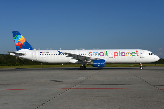 Small Planet Airlines (Poland) Airbus A321-211 SP-HAX (msn 2903) ZRH (Rolf Wallner). Image: 934857.