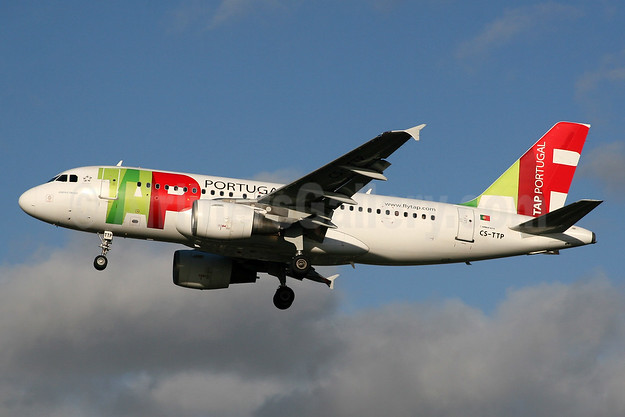 TAP Portugal Airbus A319-111 CS-TTP (msn 1165) LHR (SPA). Image: 937480.