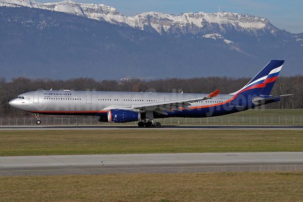 Aeroflot Russian Airlines Airbus A330-343 VQ-BCV (msn 1072) GVA (Paul Denton). Image: 911403.