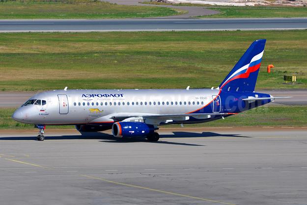 Aeroflot Russian Airlines Sukhoi Superjet 100-95B RA-89043 (msn 95074) HEL (Tony Storck). Image: 943469.