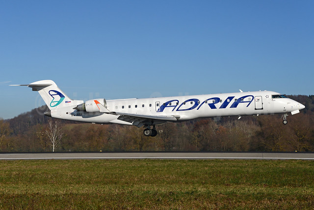 Adria Airways Bombardier CRJ700 (CL-600-2C10) S5-AAW (msn 10008) ZRH (Rolf Wallner). Image: 935841.