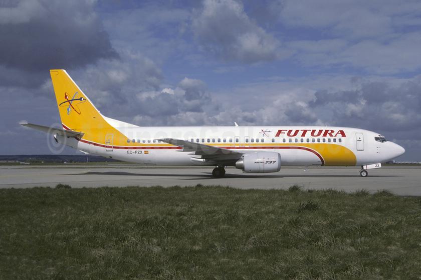 Futura International Airways Boeing 737-4Y0 EC-FZX (msn 24682) ORY (Christian Volpati). Image: 953680.