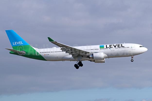 Level (Iberia) Airbus A330-202 EC-MOY (msn 1784) LAX (Michael B. Ing). Image: 942833.