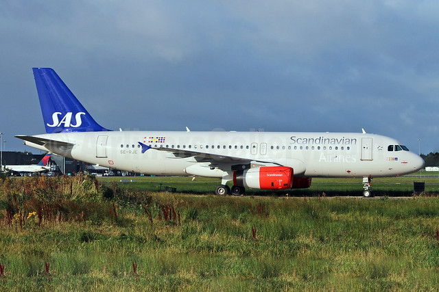 Scandinavian Airlines-SAS Airbus A320-232 SE-RJE (msn 1183) SNN (Malcolm Nason). Image: 909410.