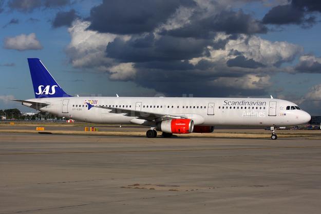 Scandinavian Airlines-SAS Airbus A321-232 OY-KBK (msn 1587) LHR. Image: 935369.