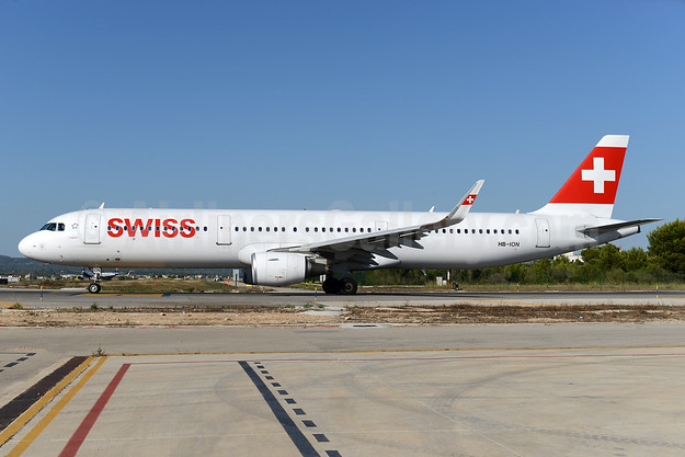 Swiss International Air Lines Airbus A321-212 WL HB-ION (msn 5567) PMI (Ton Jochems). Image: 938350.