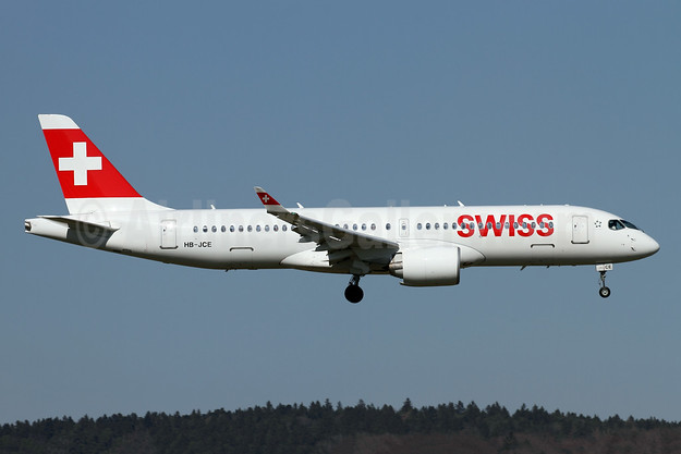 Swiss International Air Lines Bombardier CS300 (BD-500-1A11) HB-JCE (msn 55014) ZRH (Andi Hiltl). Image: 941490.