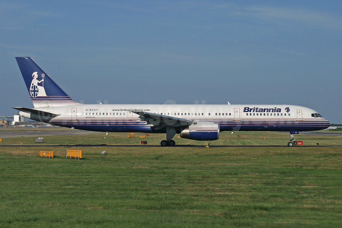 Britannia Airways Boeing 757-204 G-BYAY (msn 28836) LGW (Antony J. Best). Image: 944466.
