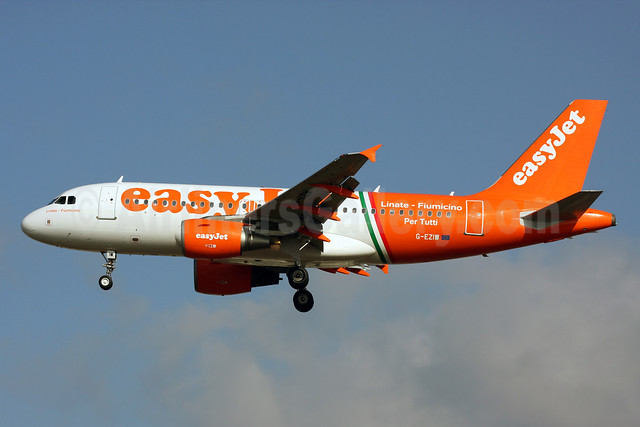 easyJet (easyJet.com) (UK) Airbus A319-111 G-EZIW (msn 2578) (Linate-Fiumicino Per Tutti) LGW (Terry Wade). Image: 911405.