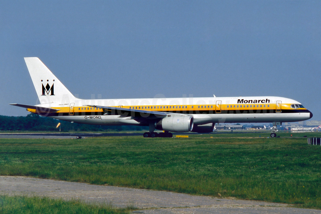 Monarch Airlines Boeing 757-2T7 G-MOND (msn 22960) LGW (SM Fitzwilliams Collection). Image: 912197.