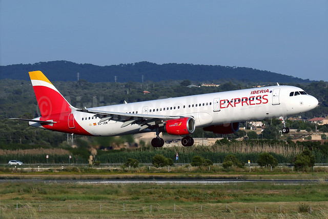 Iberia transfers a second A321 to Iberia Express