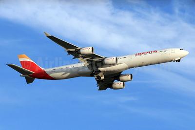 Iberia Airbus A340-642 EC-LEU (msn 960) LHR (SPA). Image: 928592.