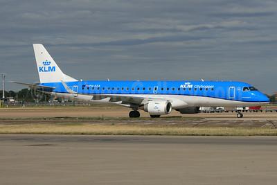 KLM Cityhopper Embraer ERJ 190-100STD PH-EZA (msn 19000224) LHR. Image: 928997.