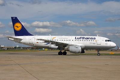 Lufthansa Airbus A319-114 D-AILU (msn 744) (Lulu Stork) LHR. Image: 929503.