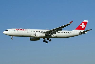 Swiss International Air Lines Airbus A330-343 HB-JHI (msn 1181) ZRH (Paul Bannwarth). Image: 929555.