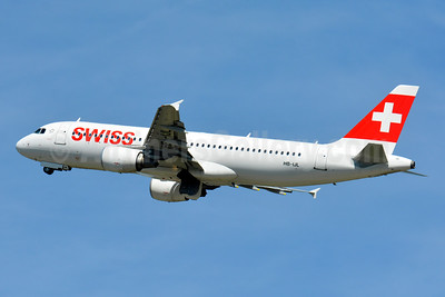Swiss International Air Lines Airbus A320-214 HB-IJL (msn 603) ZRH (Paul Bannwarth). Image: 929104.