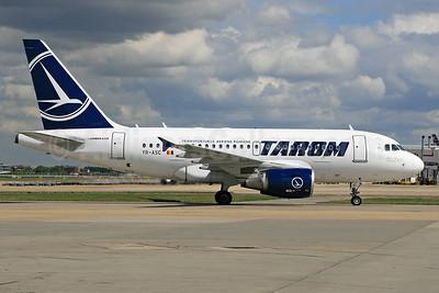 TAROM-Transporturile Aeriene Romane (Romanian Air Transport) Airbus A318-111 YR-ASC (msn 3220) LHR. Image: 929661.