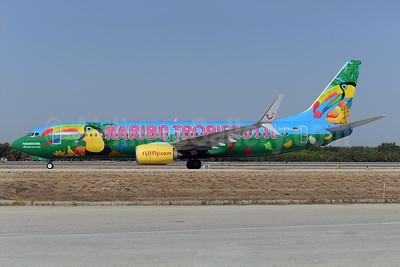 "TUIfly (TUIfly.com) Boeing 737-8K5 SSWL D-ATUJ (msn 39923) ""Haribo Tropifrutti"" - named ""Paradiesvogel"" AYT (Ton Jochems). Image: 929634."