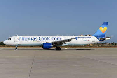 Thomas Cook Airlines (UK) (Thomas Cook.com) Airbus A321-211 G-TCDY (msn 1881) (Sunny Heart) AYT (Ton Jochems). Image: 932640.