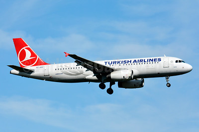 Turkish Airlines Airbus A320-232 TC-JUJ (msn 2522) BSL (Paul Bannwarth). Image: 929121.