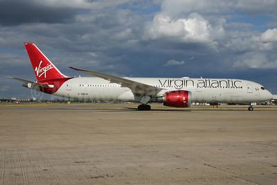 "Virgin Atlantic Airways Boeing 787-9 Dreamliner G-VNEW (msn 40956) ""Birthday Girl""  LHR. Image: (24508."