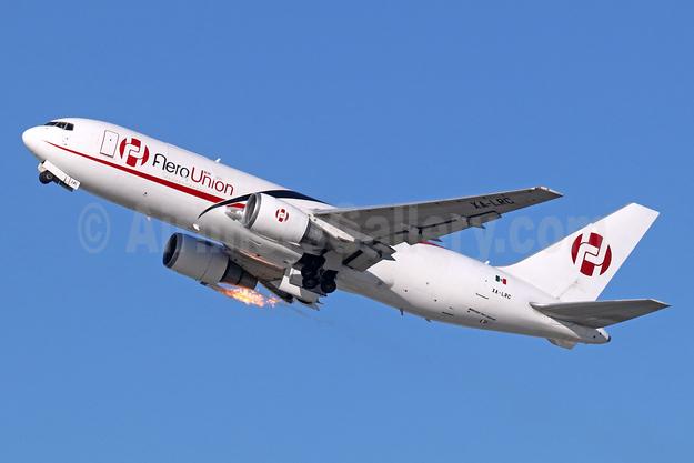 AeroUnion (Mexico) Boeing 767-241 ER (F) XA-LRC (msn 23802) LAX (Michael B. Ing). Image: 940184.