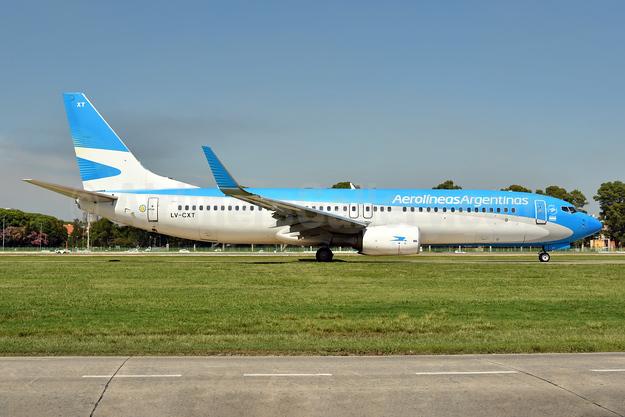 Aerolineas Argentinas Boeing 737-81D LV-CXT (msn 39426) AEP (Ken Petersen). Image: 944538.