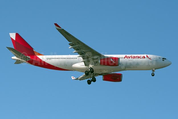 Avianca (Brazil) (OceanAir Linhas Aereas) Airbus A330-243 PR-OCX (msn 1657) JFK (Fred Freketic). Image: 944740.