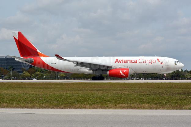 Avianca (Brazil) (OceanAir Linhas Aereas) Airbus A330-243F PR-ONV (msn 1506) MIA (Jay Selman). Image: 403956.
