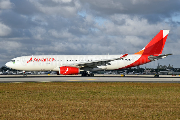 Avianca (Brazil) (OceanAir Linhas Aereas) Airbus A330-243 PR-OCK (msn 1508) MIA (Bruce Drum). Image: 104595.