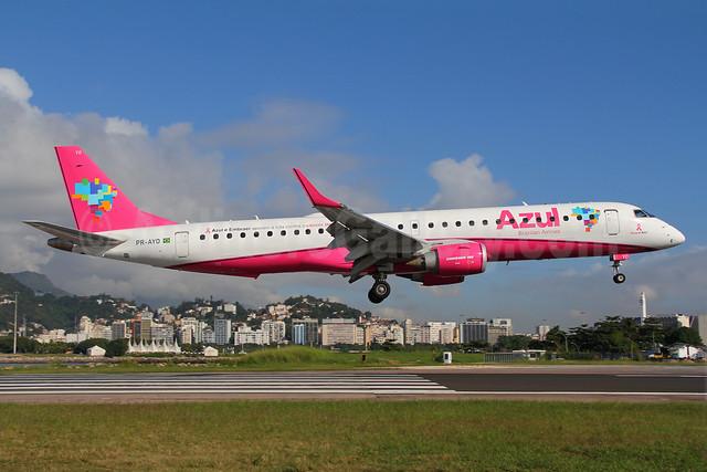 Azul Brazilian Airlines (Azul Linhas Aereas Brasileiras) Embraer ERJ 190-200 IGW (ERJ 195) PR-AYO (msn 19000391) (Azul and Embraer Fight Against Breast Cancer) SDU (Marcelo F. De Biasi). Image: 908736.