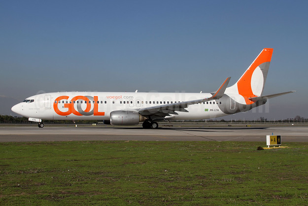Gol Transportes Aereos Boeing 737-8EH WL PR-GTA (msn 34474) SCL (Alvaro Romero). Image: 946390.