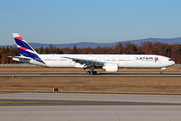 First Boeing 777-300 in the new identity