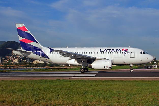 LATAM Airlines (Brazil) Airbus A319-132 PR-MAO (msn 1837) SDU (Marcelo F. De Biasi). Image: 936553.