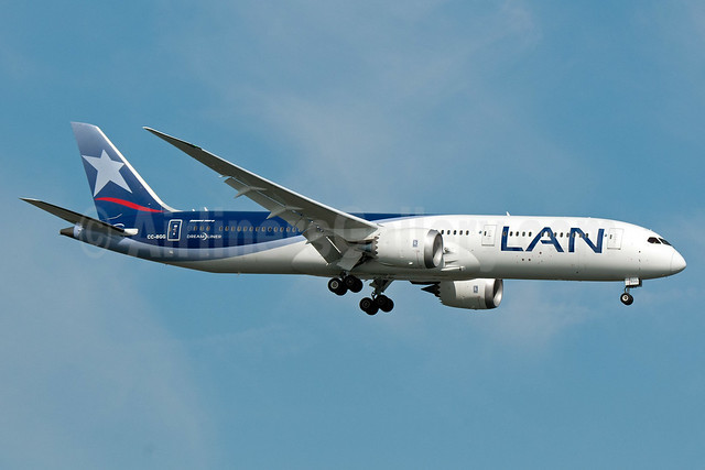 LAN Airlines (Chile) Boeing 787-9 Dreamliner CC-BGG (msn 38461) JFK (Fred Freketic). Image: 932904.
