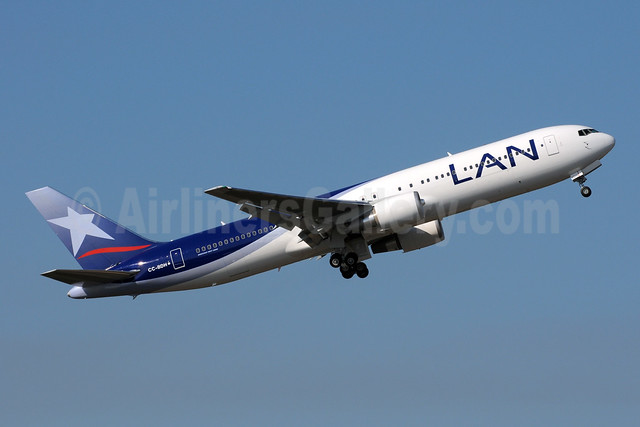 LAN Airlines (Chile) Boeing 767-316 ER CC-BDH (msn 41748) PAE (Bruce Drum). Image: 102543.