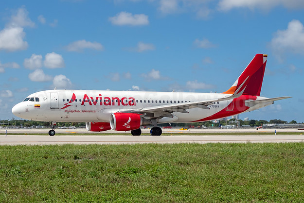 Avianca (Colombia) Airbus A320-214 N755AV (msn 7437) FLL (Andy Cripps). Image: 954691.