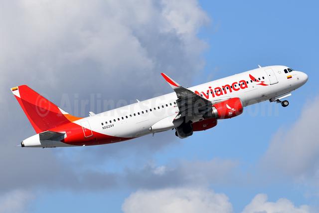 Avianca (Colombia) Airbus A320-214 WL N562AV (msn 5622) MIA (Bruce Drum). Image: 104312.