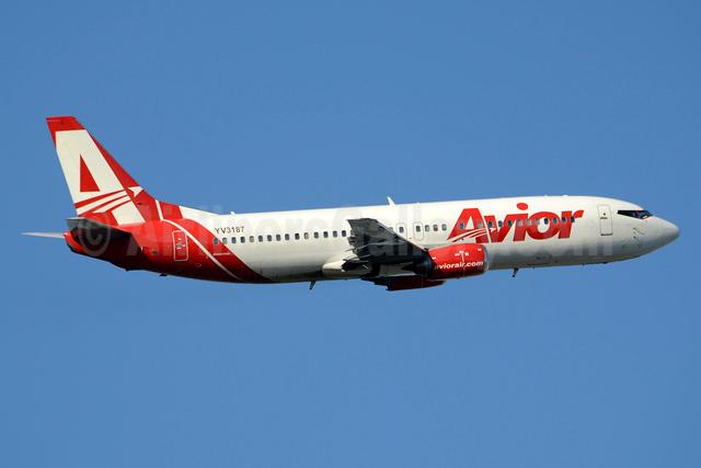 Avior Airlines Boeing 737-4B7 YV3187 (msn 24862) MIA (Jay Selman). Image: 403612.