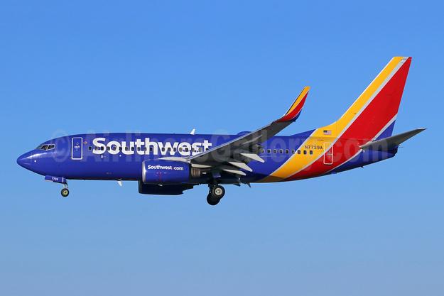 Southwest Airlines Boeing 737-76N WL N7729A (msn 32675) LGB (Michael B. Ing). Image: 946605.