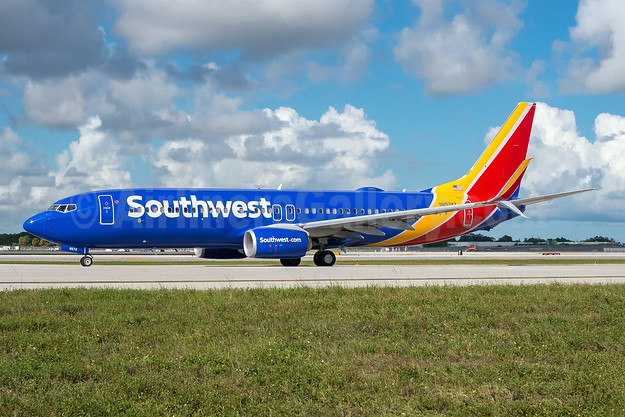 Southwest Airlines  Boeing 737-800 SSWL N8574Z (msn 63588) FLL (Andy Cripps). Image: 945529.